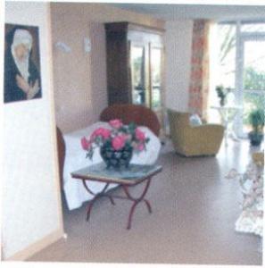 ehpad maison de retraite la jonchere dans le 92500 rueil malmaison. Black Bedroom Furniture Sets. Home Design Ideas